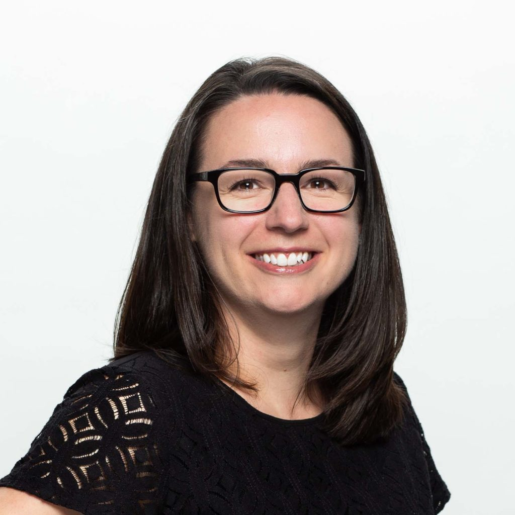 Jennifer Szambecki Headshot